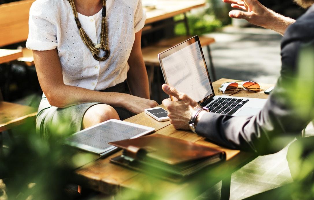 Une agence de placement est avant tout la pour t'aider et maximiser tes chances de trouver ce que TU recherches.