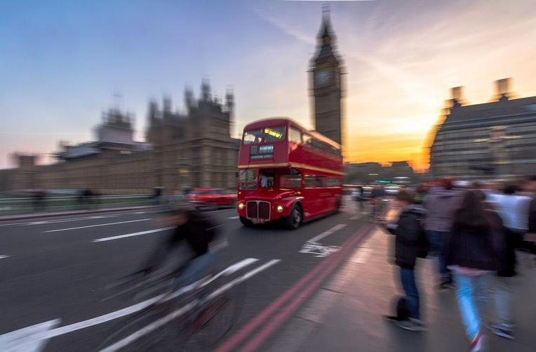 se déplacer à Londres est rapide et facile et on peut le faire à toute heure de la journée