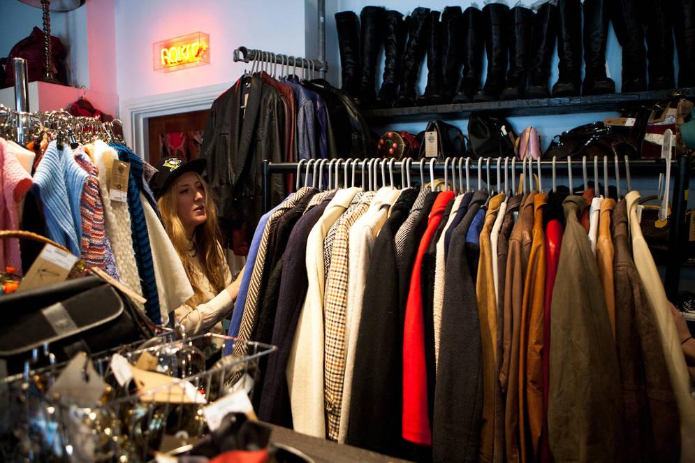 Ici on trouve de tout: chaussures, vêtements, nourritures, produits d'exceptions.