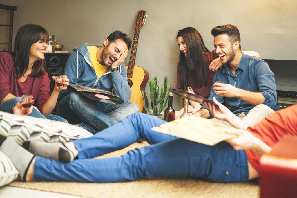 colocation - rire - jeunes