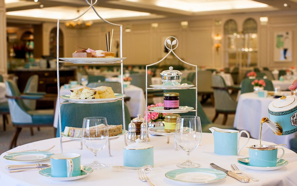Image d'une table de l'Afternoon Tea à Londres : Fortnum and Mason