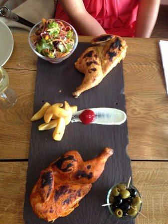 Un des meilleurs restaurant halal à Londres montrant du poulet