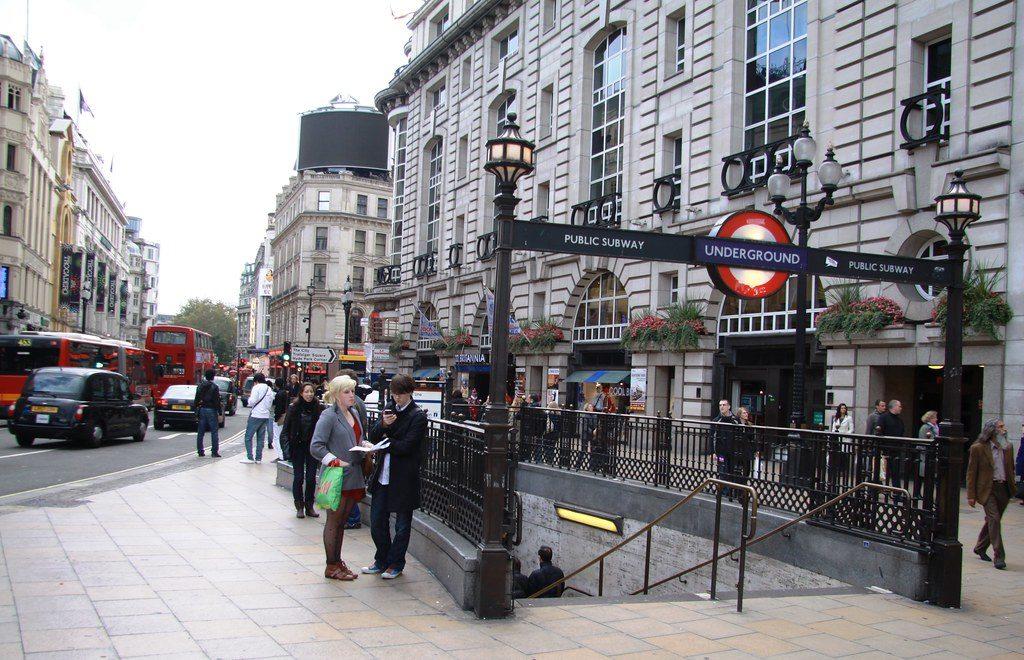 Vivre à Soho, vers Piccadilly Circus