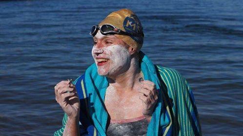 Sarah Thomas traverse la Manche sans Snap Eurostar