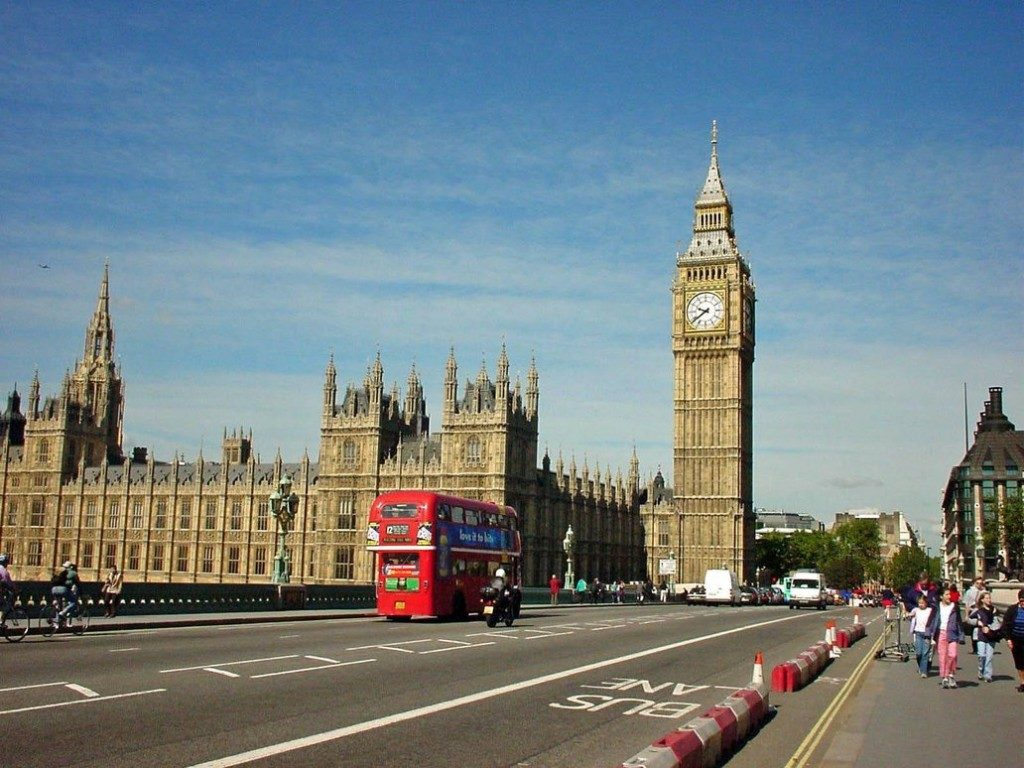 Move 2 London